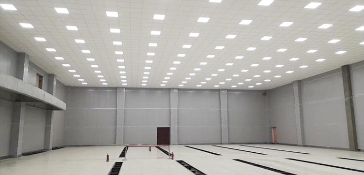750-洛阳石化中央控制室.jpg